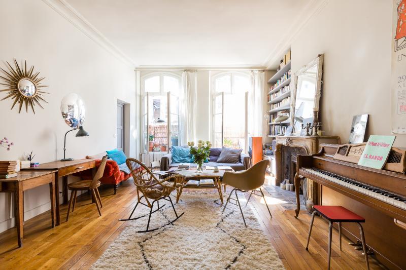 One Fine Stay - Rue Saint-Sauveur apartment - Image 1 - Paris - rentals