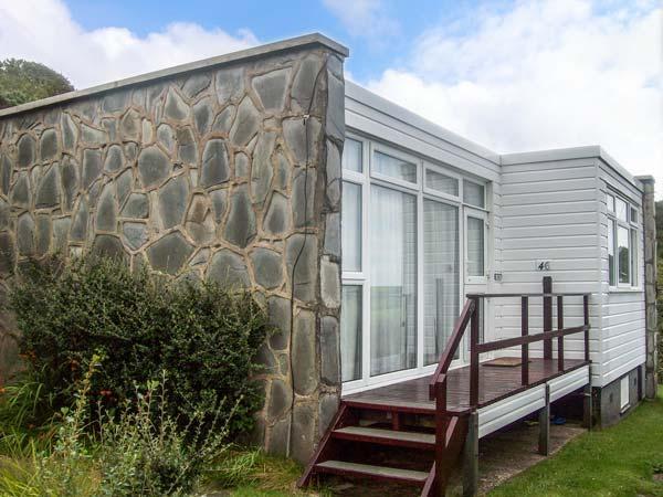 SEA HAVEN coastal, open plan, pet-friendly, in Haverfordwest Ref 926863 - Image 1 - Haverfordwest - rentals