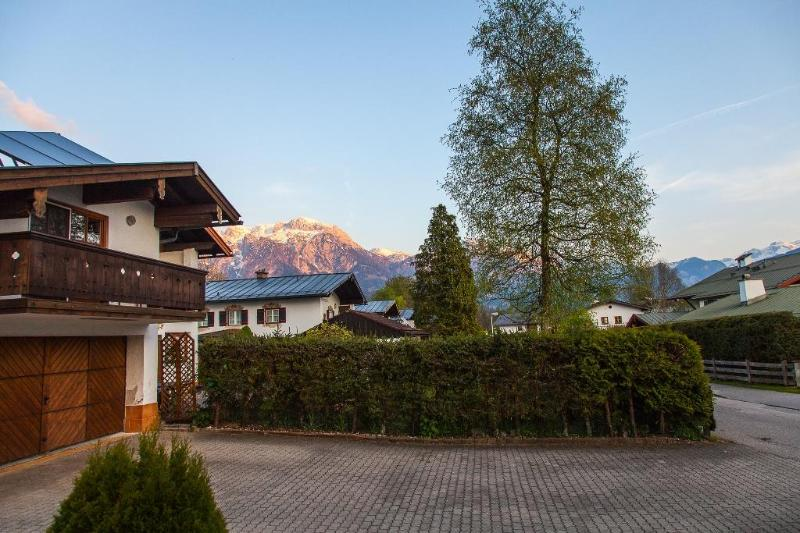 LLAG Luxury Vacation Apartment in Bischofswiesen - 5909 sqft, ideal, quiet, central (# 4885) #4885 - LLAG Luxury Vacation Apartment in Bischofswiesen - 5909 sqft, ideal, quiet, central (# 4885) - Bischofswiesen - rentals