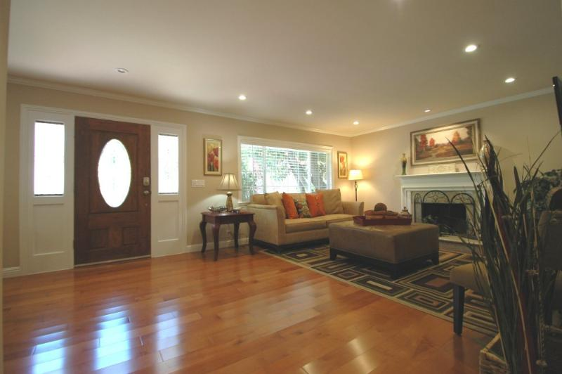 GORGEOUS AND REMODELED 4 BEDROOM HOME IN MENLO PARK - Image 1 - Menlo Park - rentals