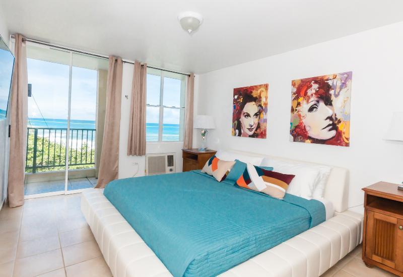 Newly Renovated 3 Bedroom Ocean Front Condo - Image 1 - Arecibo - rentals