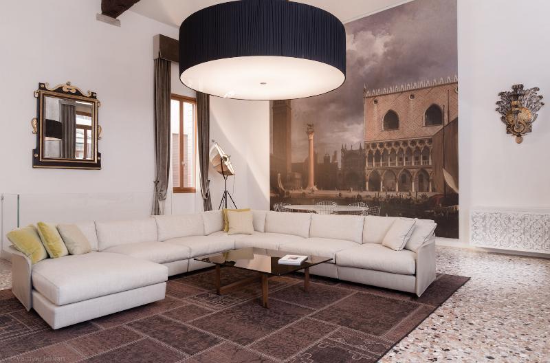 GUARDI DUPLEX PALAZZO MOLIN - Image 1 - Venice - rentals