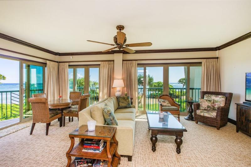 A207 Living Room Oceanfront View - Waipouli Beach Resort A207 - Kapaa - rentals