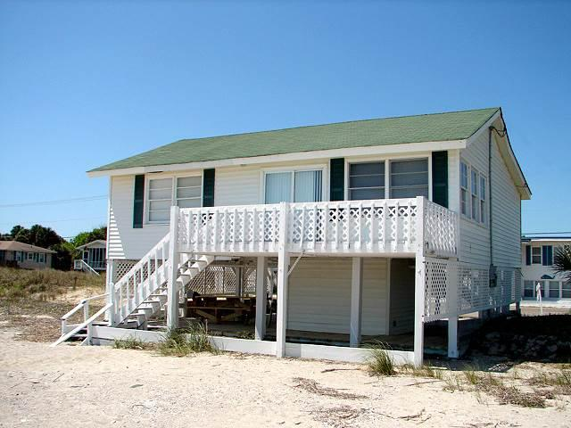 "406 Palmetto Blvd - ""Beach Nuts"" - Image 1 - Edisto Beach - rentals"