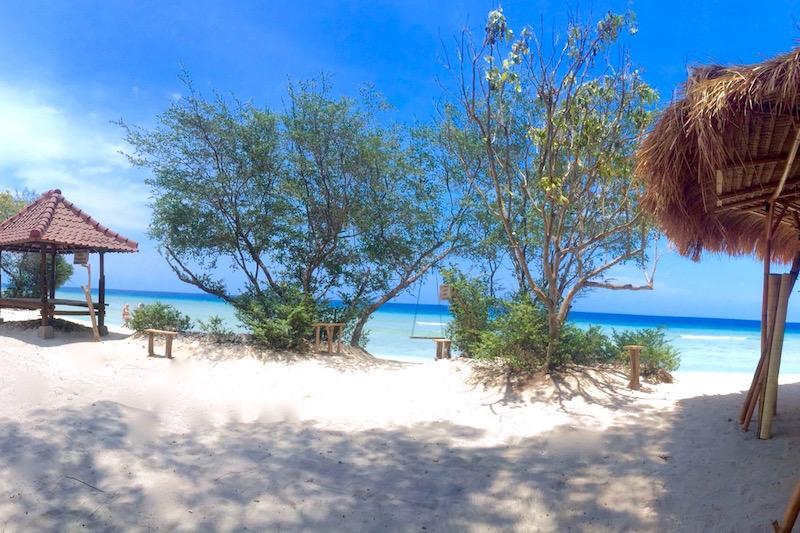 Beachfront, Villa Sunset Beach - Image 1 - Gili Trawangan - rentals