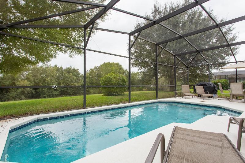 Large pool area overlooking conservation area for lots of privacy. - Private piece of paradise close to attractions. - Clermont - rentals