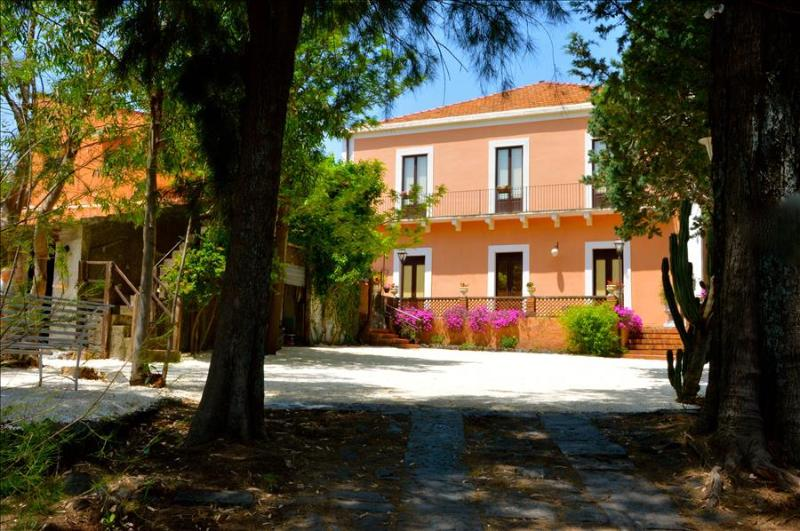 Villa Bonaccorso - Il Casale - Image 1 - Viagrande - rentals