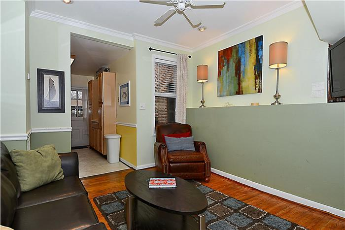 Living Room - Camden Yards,Concention Center, Ravens, Harbor - Baltimore - rentals