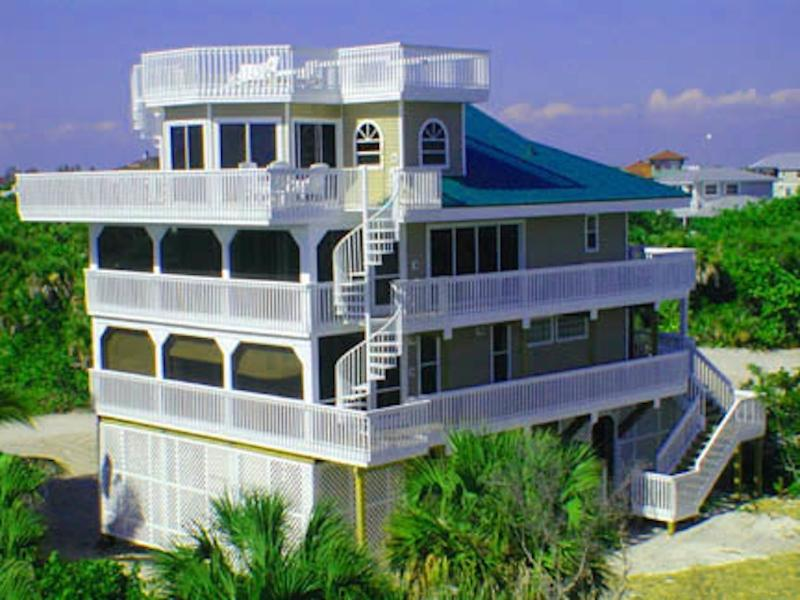Professionally-decorated luxury beach house with 5 levels - Luxury House 50 yds from beach! Heated pool & vast outdoor lounge/games area! - North Captiva Island - rentals