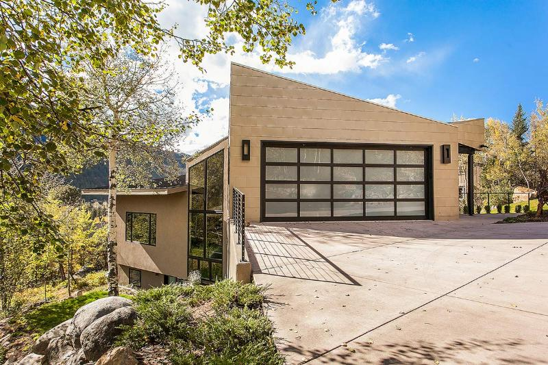 Exquisite East Aspen Contemporary, Sleeps 8 - Image 1 - Aspen - rentals