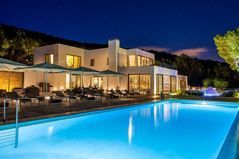Villa Azur, Sleeps 14 - Image 1 - San Jose - rentals