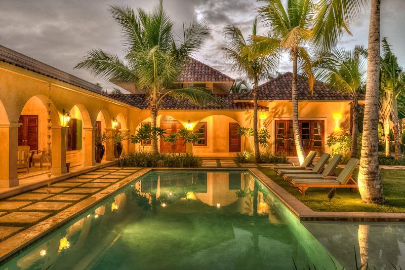 Villa Arrecife 24, Sleeps 10 - Image 1 - Punta Cana - rentals