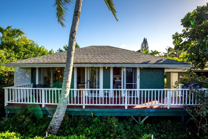 Enjoy plantation living style. - Maile Bungalow, Licensed by Maui County - Haiku - rentals