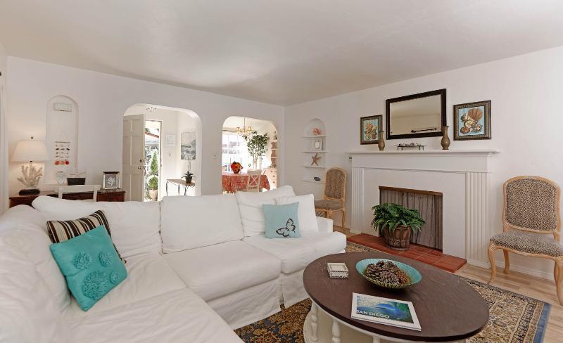 Rushville Cottage - Image 1 - La Jolla - rentals