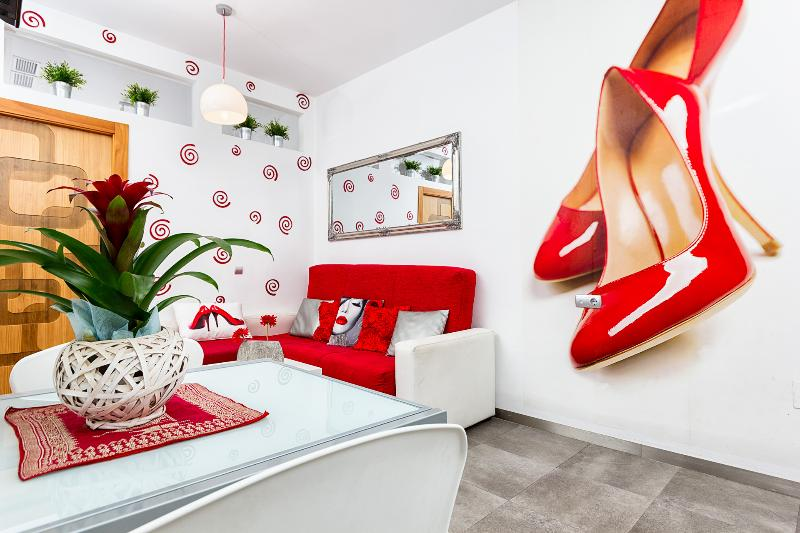 "EXCELLENT  Victoria 55,  ""Red Shoes""  2 bedrooms - Image 1 - Malaga - rentals"