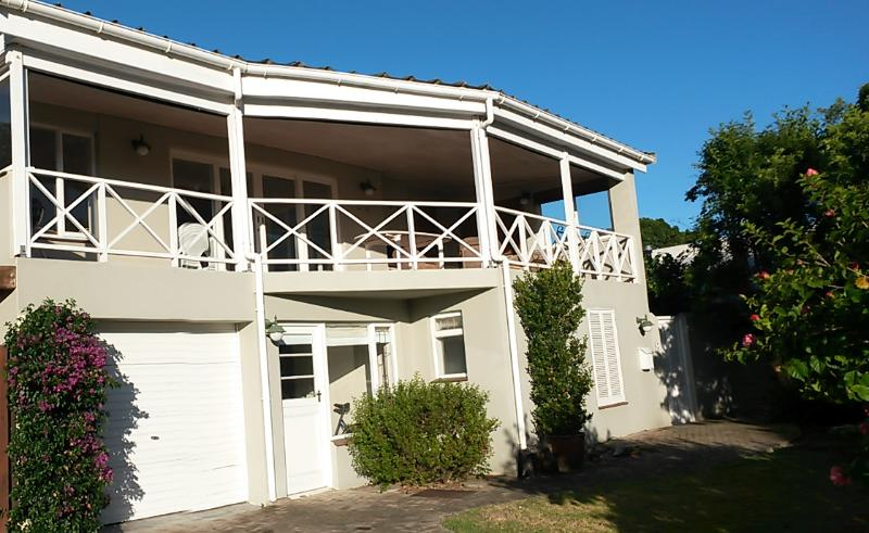 Front - Leisure Isle, Knysna, Garden Route, S.A. Modest 3 Bedroom holiday home - Knysna - rentals