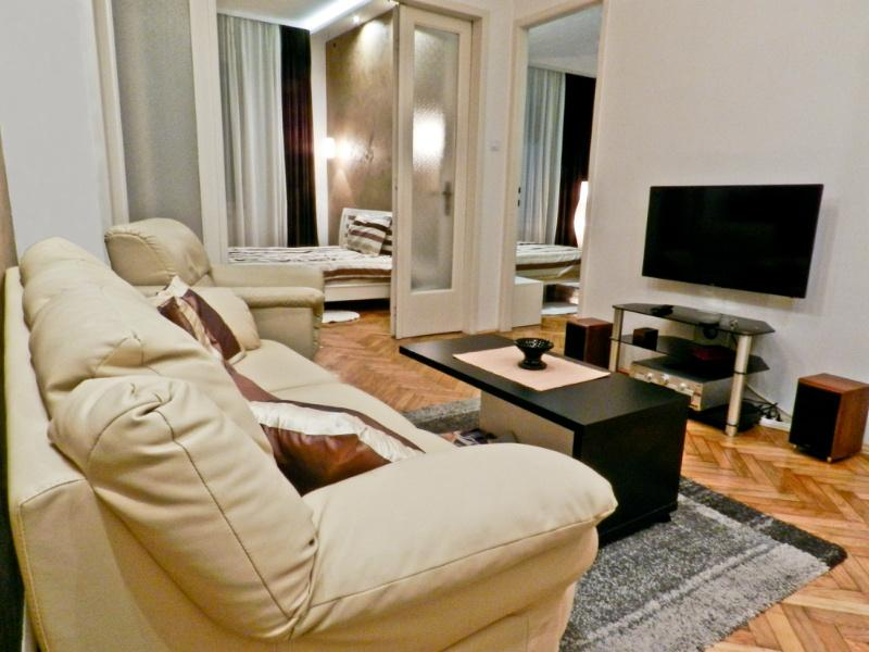 Apartment INA - 200m from pedestrian, 4 rooms 70m2 - Image 1 - Belgrade - rentals
