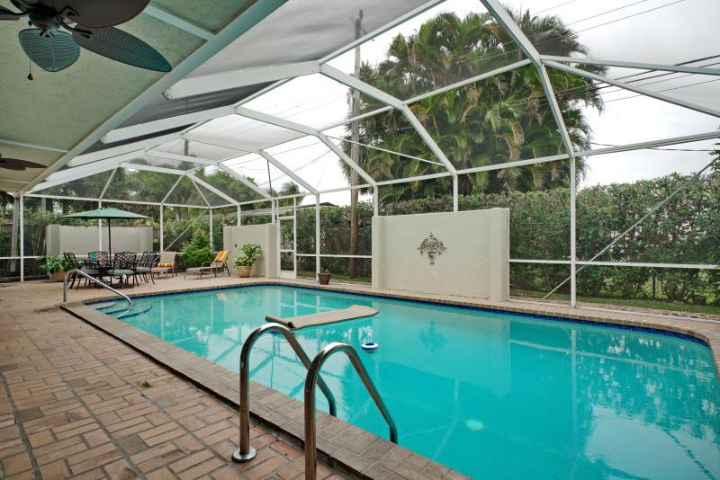 Huge Modern Pool Home!  Walk to Restaurants! - Image 1 - Fort Lauderdale - rentals