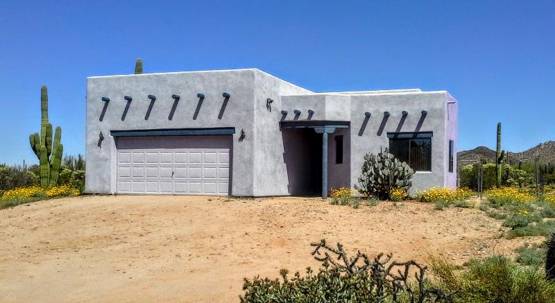 Front of Home - Tranquility Awaits you at this Desert Home - Tucson - rentals
