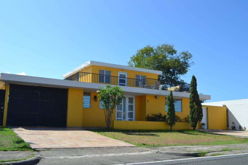 Huge Family House with Private Pool/ 5 min from Beach and Strip- Sleeps up 22 - Image 1 - Isla Verde - rentals