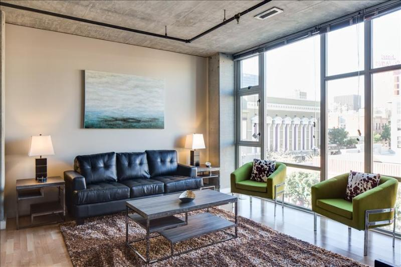 Stay Alfred Spacious 3BR Loft in the Gaslamp L63 - Image 1 - San Diego - rentals