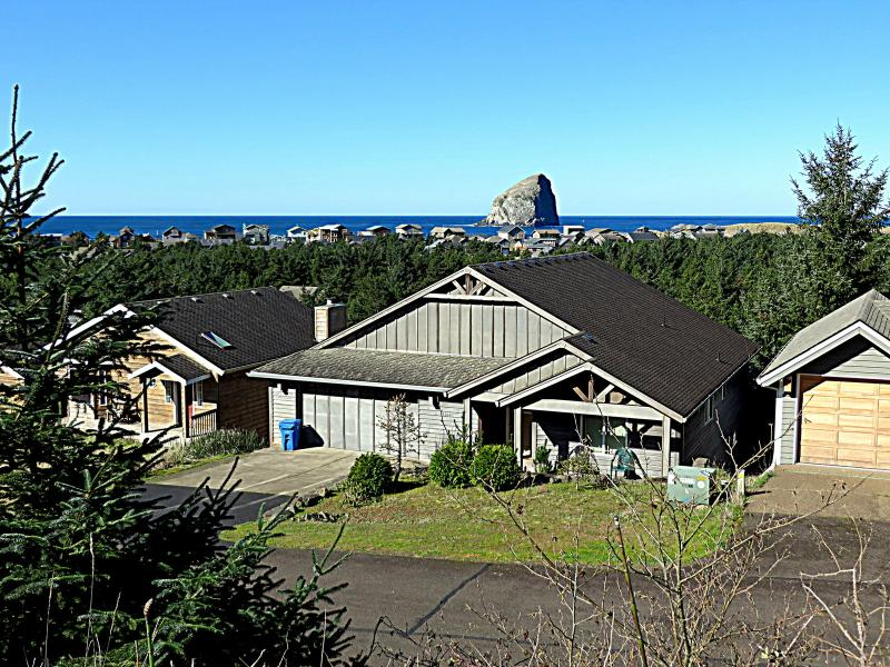 Fun 7 Bedroom home with views and close to beach! - Image 1 - Pacific City - rentals