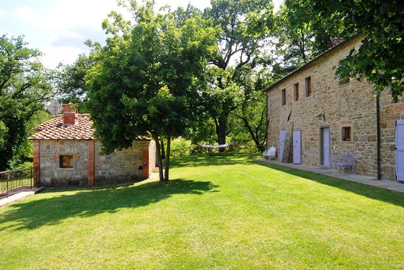 7 bedroom Independent house in Castel Focognano, Casentino, Tuscany, Italy : ref 2307262 - Image 1 - Castel Focognano - rentals