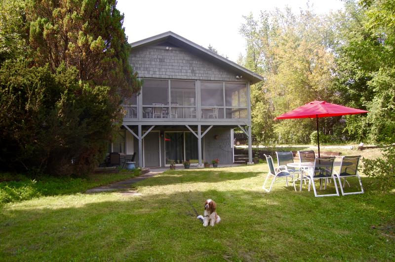Manchester Village House in summer - pets welcome for $125/stay. Walk to town shops & restaurants - GREAT 5 bedroom 3 bath, heart of Manchester Village. Walk to hotels Dogs welcome - Manchester - rentals