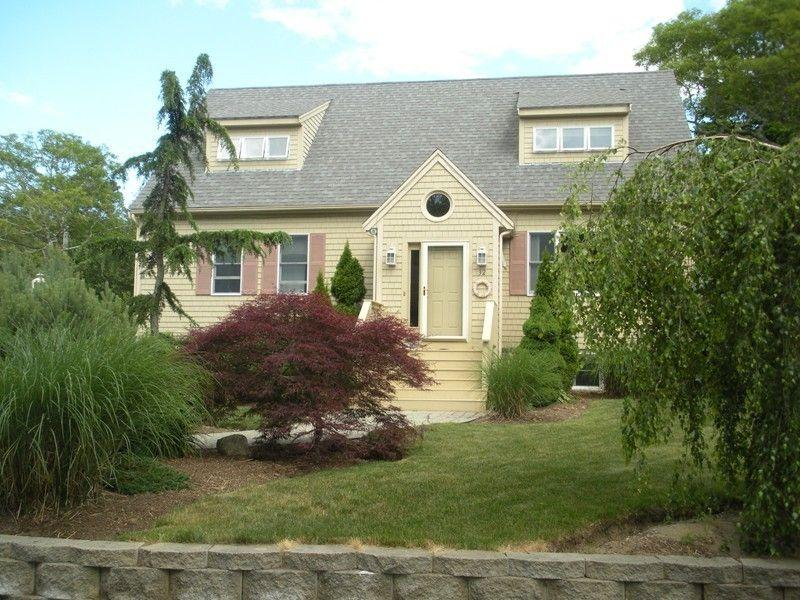 view from front of house - Immaculate Vac home 1/4 mile to Beach t 14 - Barnstable - rentals