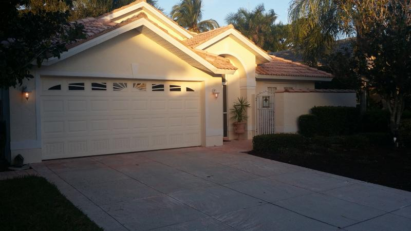 Front of home - COURTYARD HOME - Fort Myers - rentals