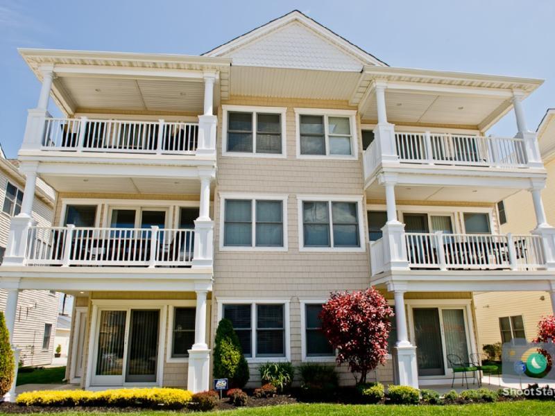 New 4BR Beach Block Home-Location - Image 1 - Brigantine - rentals