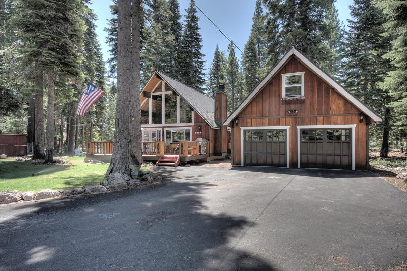 Welch Pet Friendly Cabin - Image 1 - Carnelian Bay - rentals