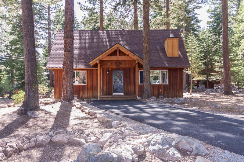 Coleman Dog Friendly Rental Cabin - Image 1 - Lake Tahoe - rentals