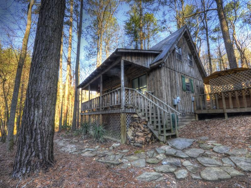 The Driftwood Cabin. - DRIFTWOOD *  Romantic, Riverside, Hot Tub Get Away - Talking Rock - rentals
