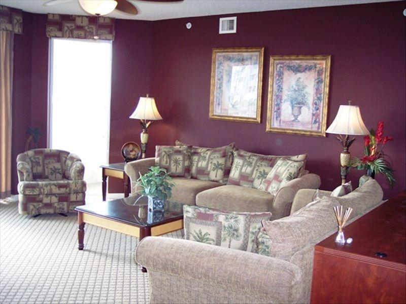 Comfortable, elegant Living Room - 3BR/3BA W/ POOL & WATERWAY VIEW - North Myrtle Beach - rentals