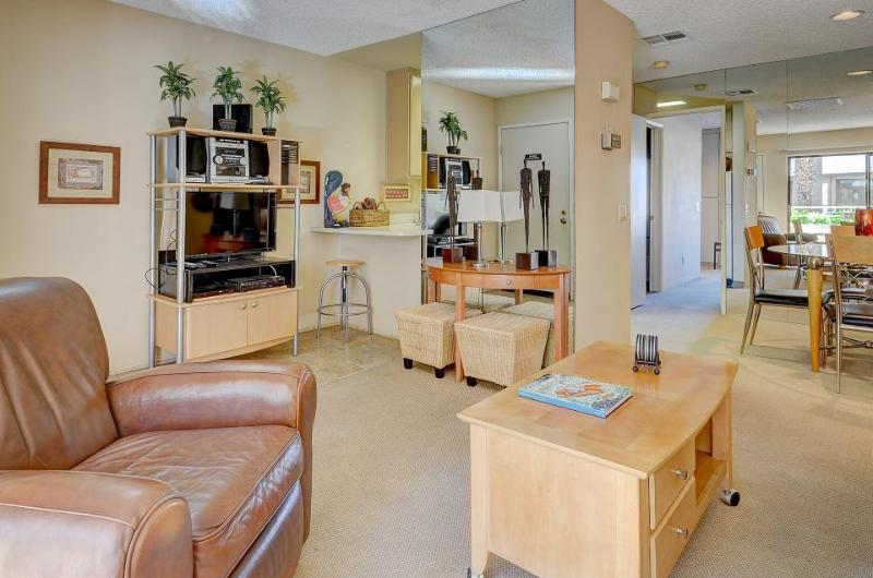 A shared pool, hot tubs, and tennis await at this dog-friendly condo! - Image 1 - Palm Springs - rentals