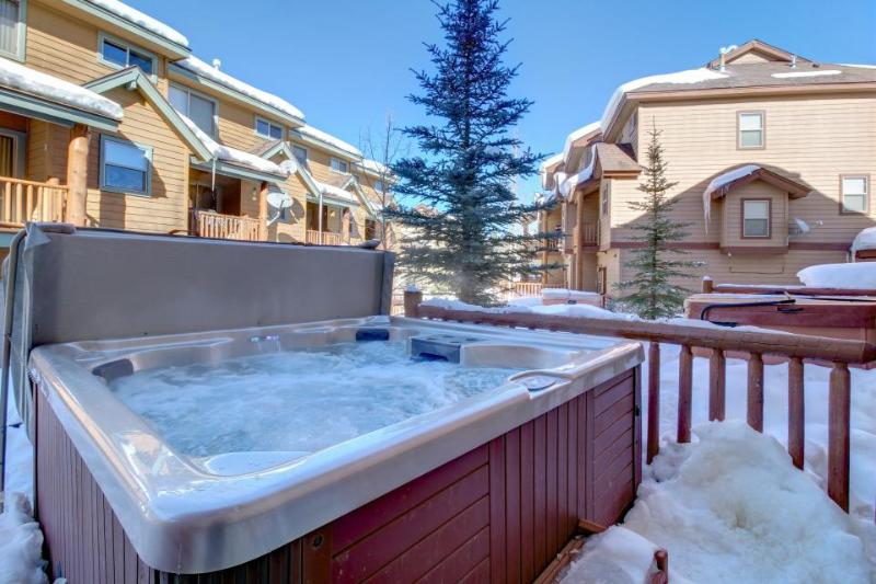 Townhome in the heart of downtown with a private hot tub! - Image 1 - Winter Park - rentals