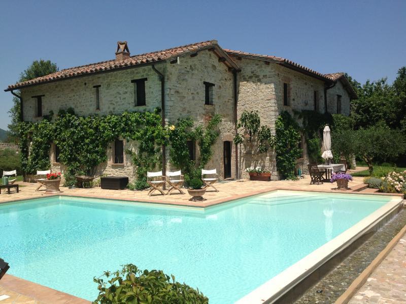 Spacious family villa - Villa Capanne - Luxury Umbrian Villa Sleeping 12 - Perugia - rentals