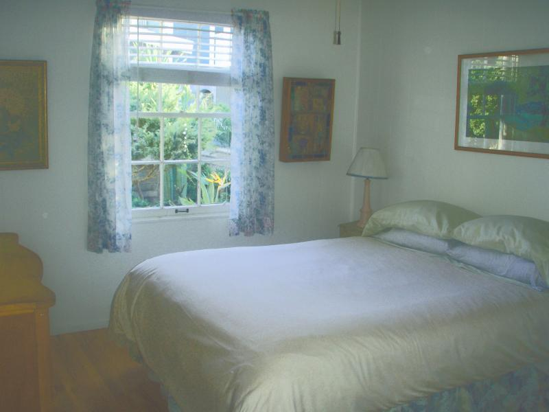 The Happy Little Cottage in S. Mission Beach - Image 1 - San Diego - rentals