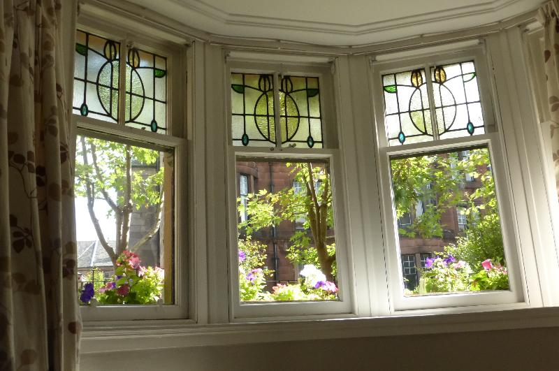 Stain glass bay window for Queensgate Garden Apartment - Queensgate Garden Apartment - Glasgow - rentals