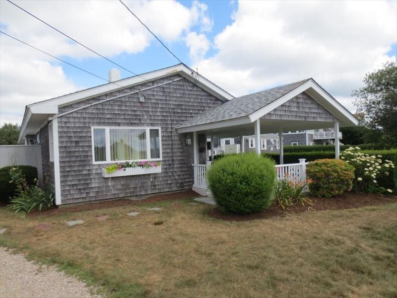 Exterior - SURF DRIVE BEACH COTTAGE 127092 - Falmouth - rentals