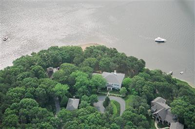 WATERFRONT ESTATE ON COTUIT BAY w/DOCK!! 129918 - Image 1 - Cotuit - rentals