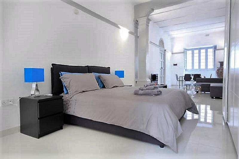 Flat 1B Studio apartment bedroom - CHIC ARTDECO DESIGNER PAD HERITAGE PRECINCT SLIEMA - Sliema - rentals