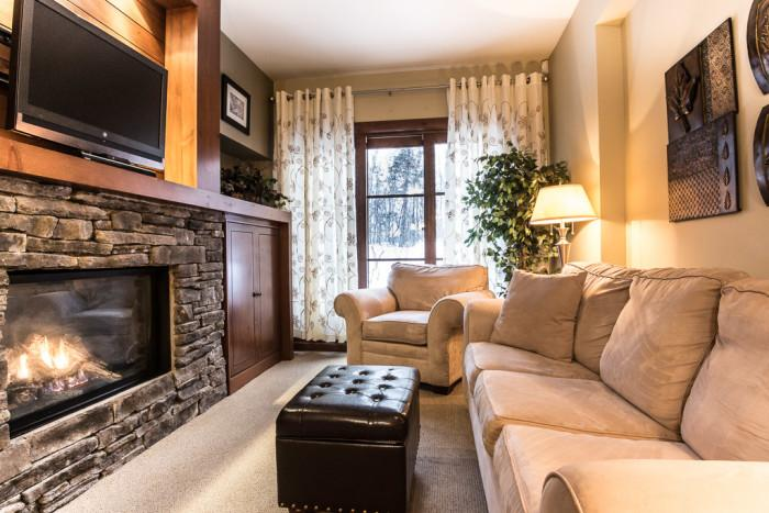 Beautiful House in Quebec (Etoile du Matin 1500-02) - Image 1 - Mont Tremblant - rentals