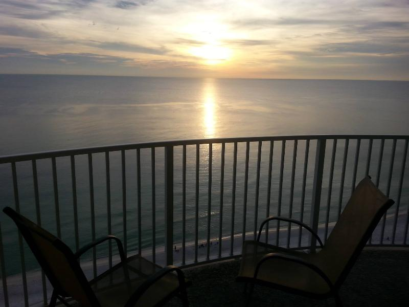 Large rounded balcony! - 3 OR 4 nights IN  AUG. Our Gift to Your Family! - Panama City Beach - rentals