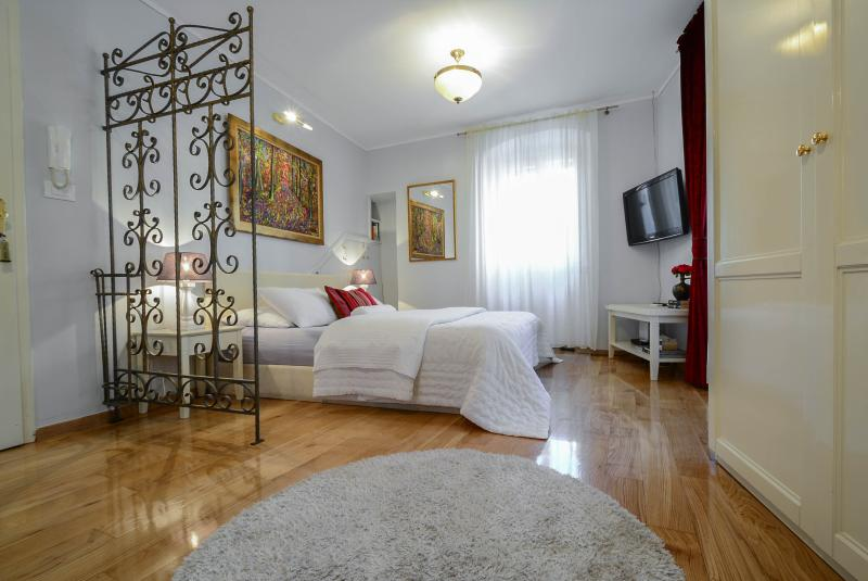great queen bed - VILLA OLIVIA - Old Town Red studio - Split - rentals
