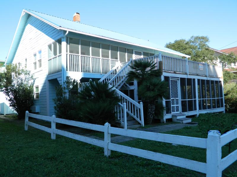 Front of house from S. Ocean Blvd. - Newly Renovated Beach House; Great Rates! - North Myrtle Beach - rentals