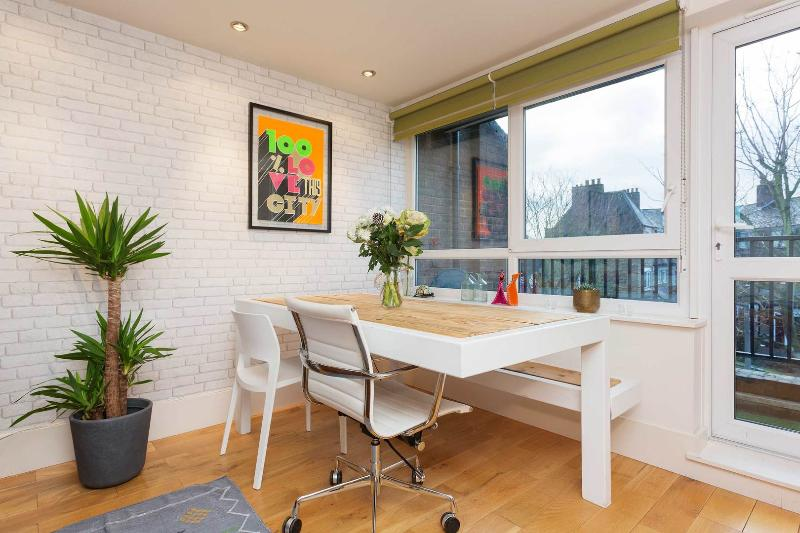 A modernised one-bedroom flat in the London Bridge area. - Image 1 - London - rentals