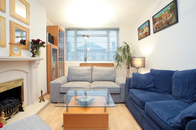 Smart 2 bedroom apartment on Eamont Street, walk to Regent's Park - Image 1 - London - rentals