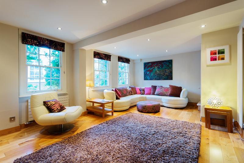 Unique Cottage in Beautiful Hampstead, Sleeps 6, Golden Yard - Image 1 - London - rentals